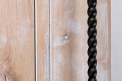 DoorDetails04